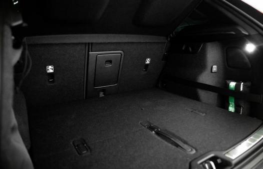 R-Design D4 AWD Gear